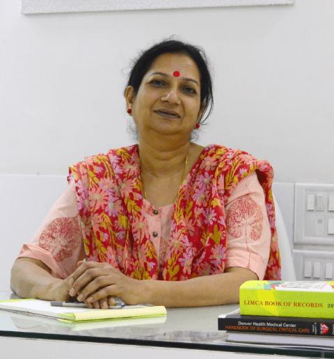 Best femalelaparoscopic surgeon in indore